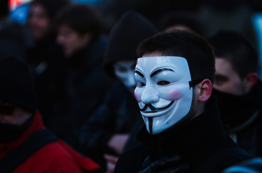 Bianna Golodryga: Hacking ISIS: Can Cyber Vigilantes Infiltrate Terrorist Networks?